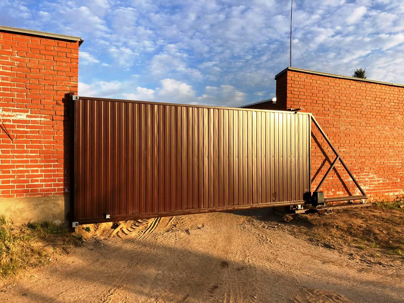 Установка откатных ворот из профлиста