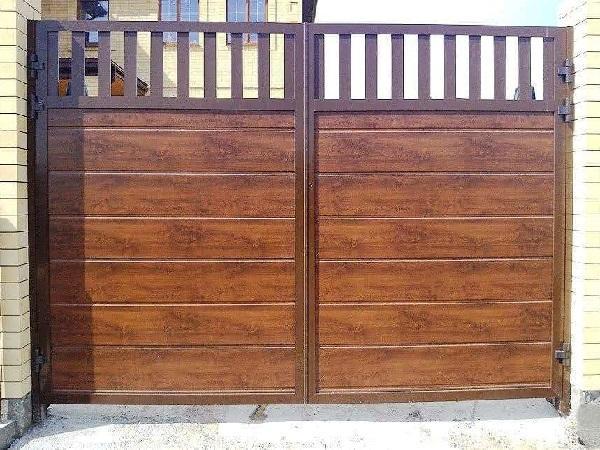 Распашные уличные ворота Алютех в Москве и области купить