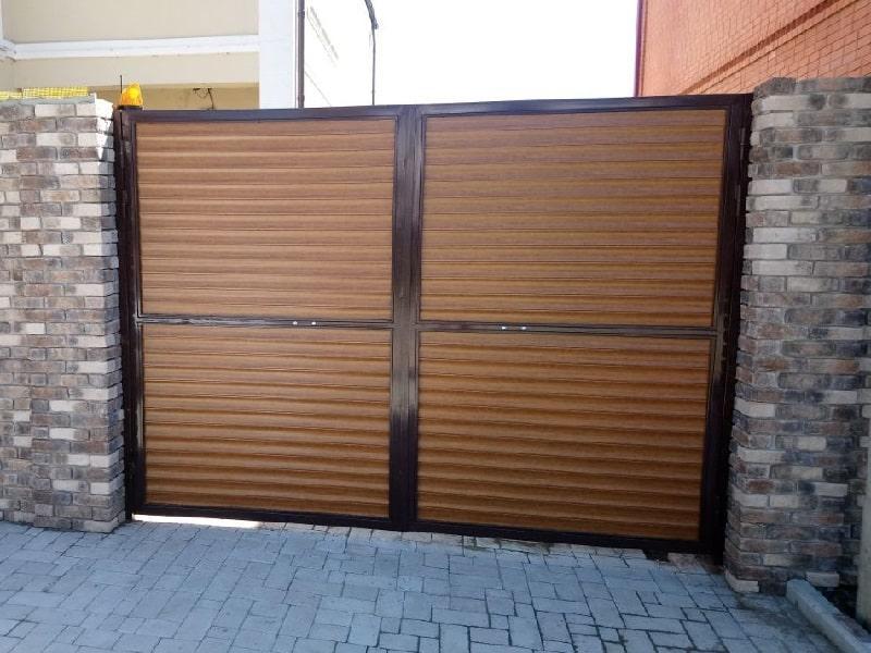 Купить распашные ворота с установкой
