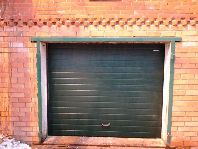 Секционные ворота для гаража в Москве и области