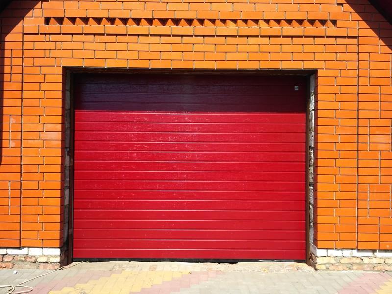 Секционные ворота в гараж Москва купить
