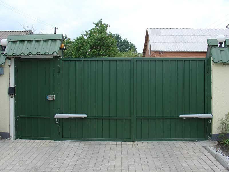 Распашные ворота с приводом установка
